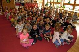 Czytanie dzieciom z Przedszkola - Prezes Chóru Spójnia - Iwona Fojcik_1