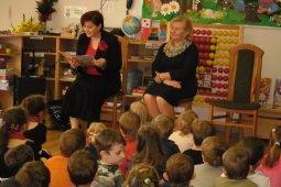 Czytanie dzieciom z Przedszkola - Prezes Chóru Spójnia - Iwona Fojcik_4