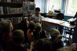 Czytanie dzieciom z SP nr 1 - Jest Takie miejsce - czyt. W. Szlachta_5