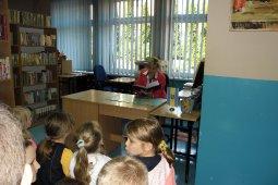 Czytanie dzieciom z SP nr 1 - Znaki są ważne - czyt. A. Wieszołek_3